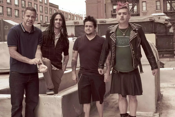 """NOFX to play """"Punk In Drublic"""" in full on New Year's Heave livestream"""