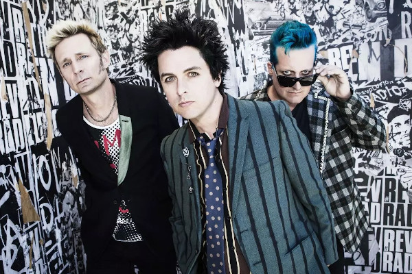 """Green Day release """"Here Comes The Shock"""" video"""